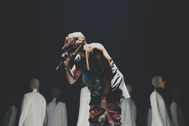 Tommy-Ton-Shoots-Kanye-Wests-Yeezus-Tour-at-Barclays-Center-9